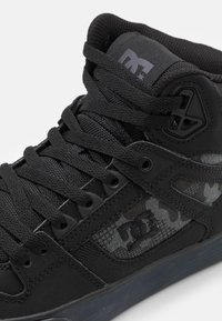DC Shoes - PURE - Skate shoes - black - 5