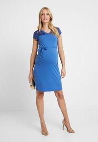 MAMALICIOUS - MLBLACKIE MIVANA CAP DRESS - Vestido de tubo - mazarine blue - 2