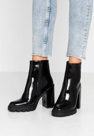 VINTAGE - High heeled ankle boots - black