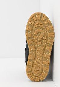 Woden - ADRIAN - Winter boots - black - 5