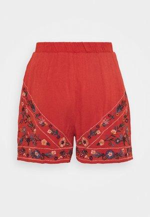 YASCHELLA SHORTS TALL - Shorts - red