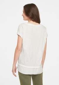comma casual identity - Print T-shirt - offwhite placed print - 2