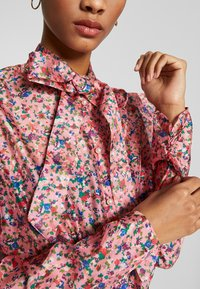 Sister Jane - MISSY FLORAL BOW - Overhemdblouse - pink - 5