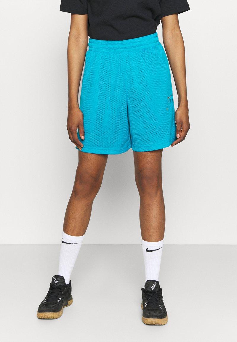 Nike Performance - FLY ESSENTIAL SHORT - Krótkie spodenki sportowe - laser blue/smoke grey