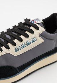 Napapijri - Sneaker low - grey castelrock - 5