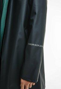 Calvin Klein Jeans - TECHNICAL RAINCOAT - Parka - ck black - 3