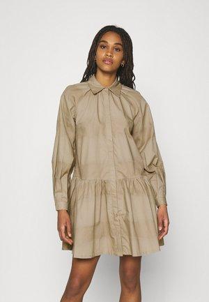 YASSCORPIO DRESS - Shirt dress - chinchilla