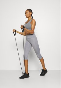 Cotton On Body - ACTIVE CORE CAPRI - 3/4 sports trousers - mid grey marle - 1