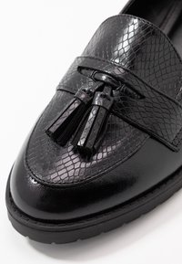 Dorothy Perkins - LITTY LOAFER - Scarpe senza lacci - black - 2