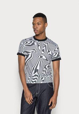 WARPED WAVE RINGER - Print T-shirt - black/white