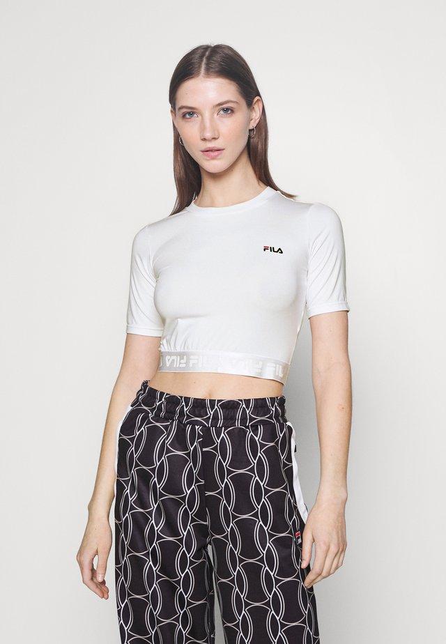 CAYLIN CROPPED TEE - Jednoduché triko - bright white