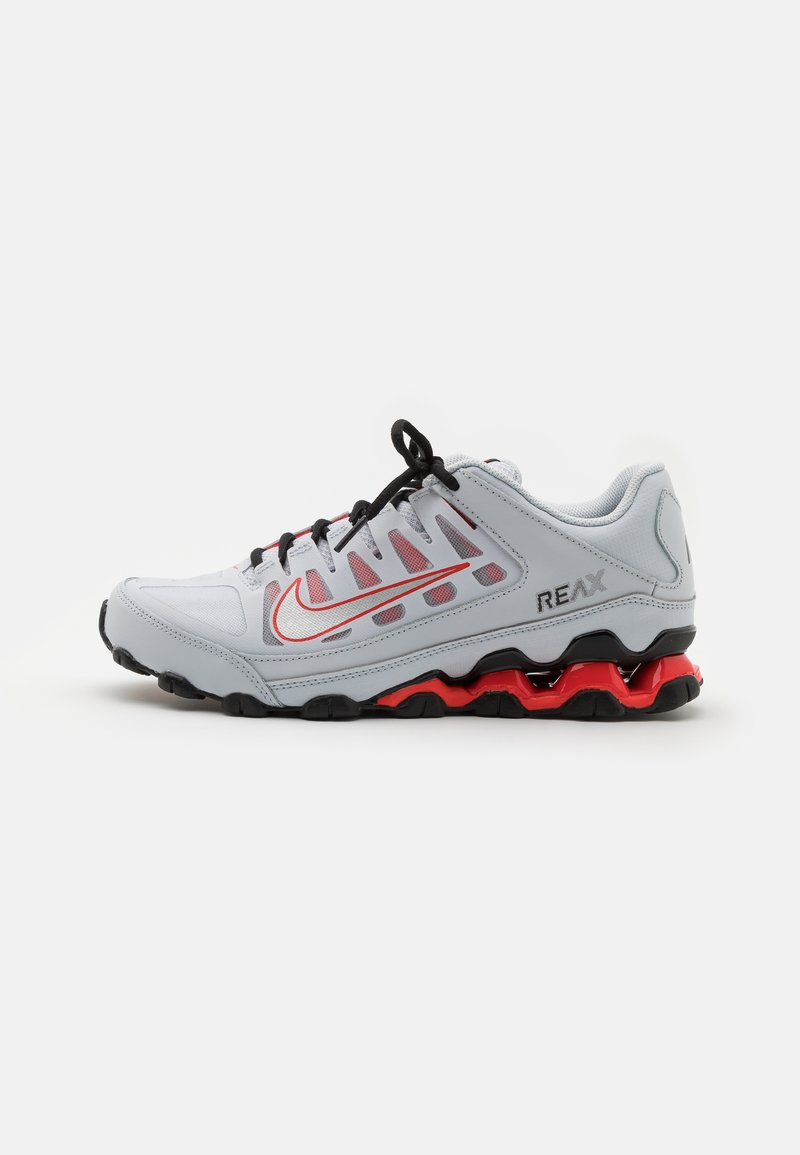 Nike Performance - REAX 8  - Gym- & träningskor - pure platinum/metallic silver/black/chile red