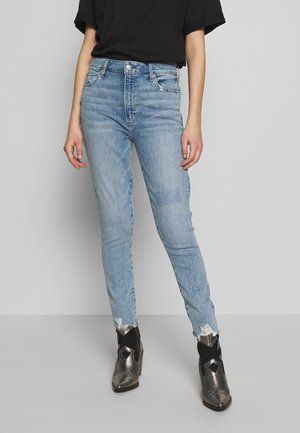 LIGHT BELT CURVE LOVE - Slim fit jeans - light-blue denim