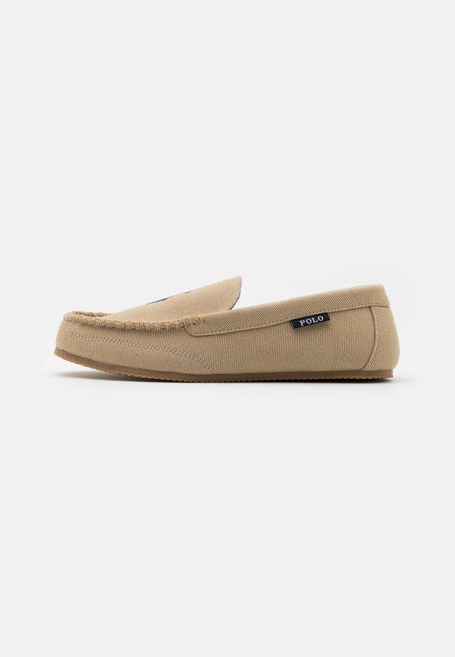 DEZI - Pantuflas - khaki/navy