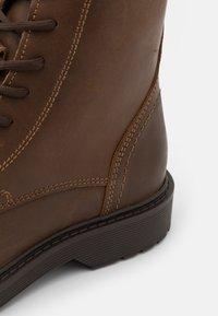 Selected Homme - SLHTHOMAS BOOT  - Šněrovací kotníkové boty - cognac - 5