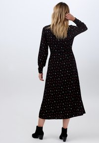 Sugarhill Brighton - SHIRT SERENA AUTUMN STORM - Shirt dress - black - 1
