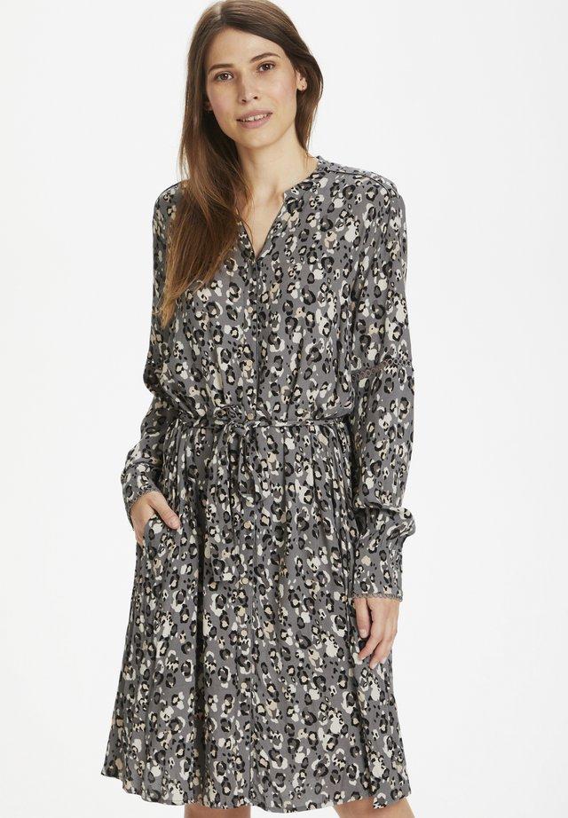 CUJOSA  - Shirt dress - smoked pearl leo
