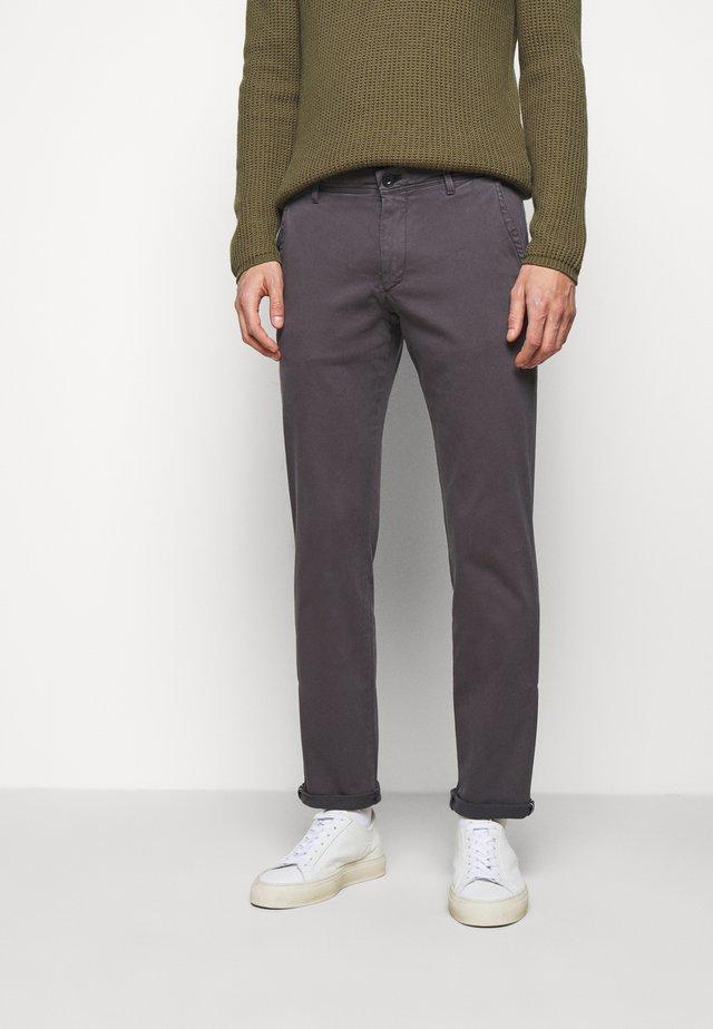 MATTHEW - Chino - dark beige