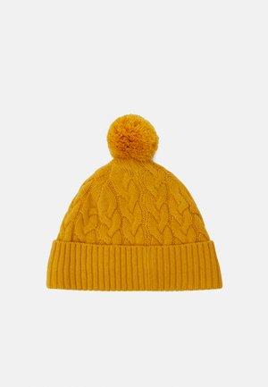 ALONDRA HAT - Beanie - amber