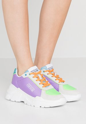 Trainers - puple