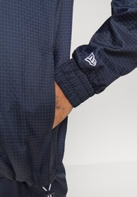 New Era - NFL NEW ENGLAND PATRIOTS - Club wear - dark blue - 5