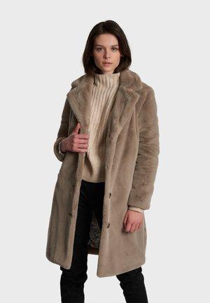 CYBER - Winter coat - dark beige