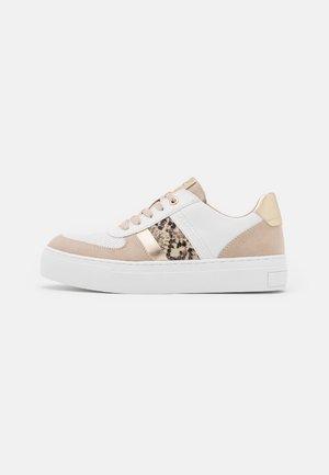 Sneakers laag - white/dune