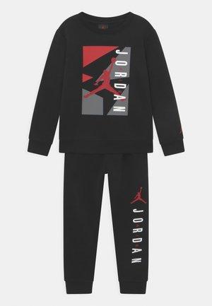 AIR GRAPHIC CREW SET - Trainingsanzug - black