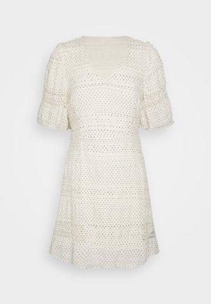 OBJSIA DRESS - Denní šaty - cloud dance
