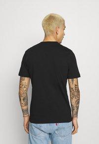 River Island - FLORAL TEE - Print T-shirt - black - 2