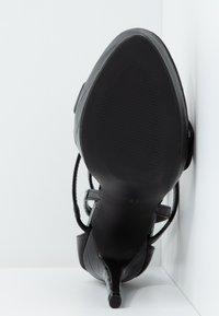 Miss Selfridge - CROC PLATFORM  - Korolliset sandaalit - black - 6