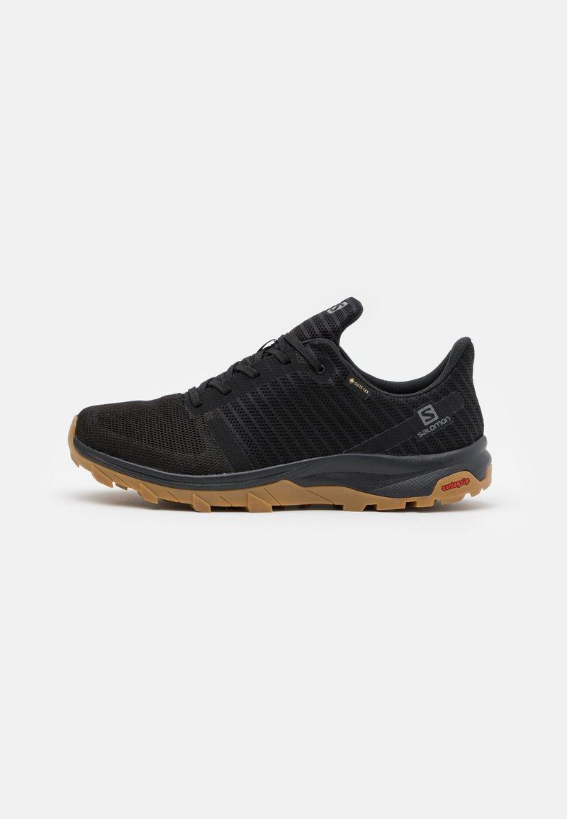 Salomon - OUTBOUND PRISM GTX - Chaussures de marche - black