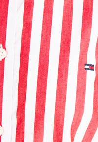 Tommy Hilfiger - REGULAR SHIRT - Button-down blouse - fireworks - 2