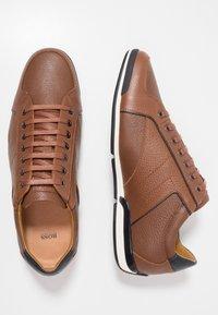 BOSS - SATURN - Sneakers laag - medium brown - 1