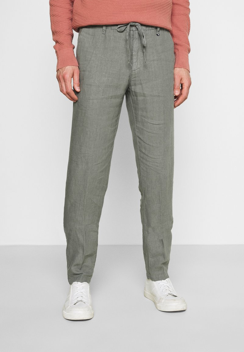 Marc O'Polo - TAPERED FIT PATCHED - Trousers - found fossil