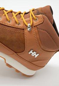 Helly Hansen - CALGARY - Outdoorschoenen - honey wheat/angora - 5