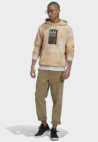 adidas Originals - Luvtröja - grey - 1