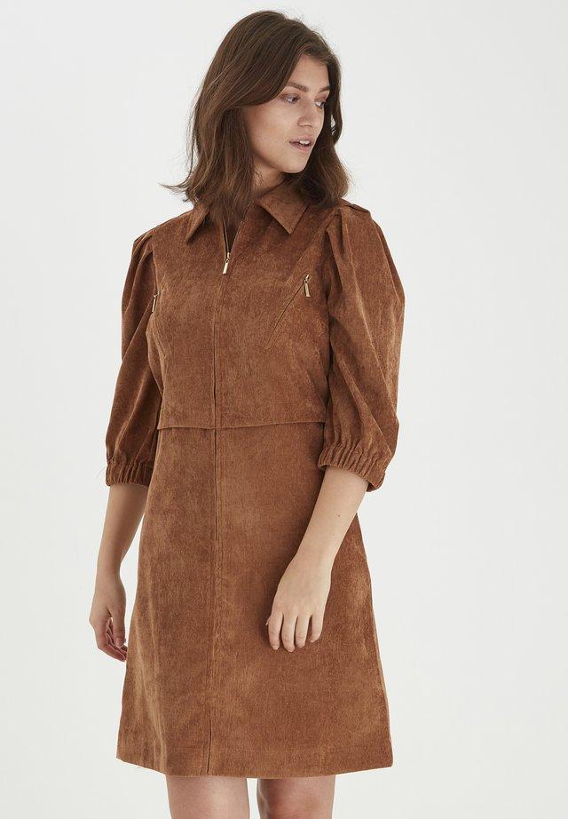 Sukienka koszulowa - thrush