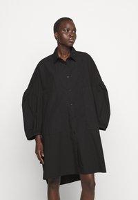 Henrik Vibskov - MOMENT DRESS - Košilové šaty - black - 0
