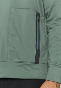 Cross Sportswear - MACTIVE CREW NECK - Bluza - laurel green - 4