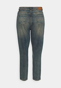 Missguided Plus - DISTRESSED TURN UP - Relaxed fit jeans - blue - 7