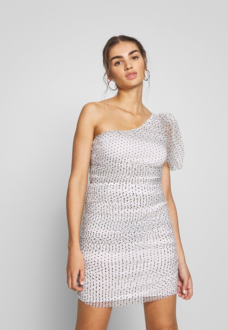 Missguided - POLKA DOT ONE SHOULDER RUCHED PUFF SLEEVE MINI DRESS - Cocktailkjole - white