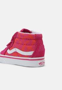 Vans - SK8-MID REISSUE - Sneakers hoog - neon animal leopard/pink - 4