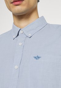 DOCKERS - ALPHA ICON - Shirt - end on end delft - 6