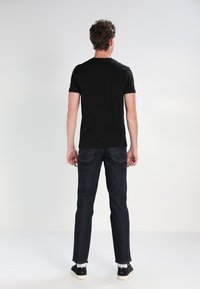 Lacoste - T-shirts basic - black - 2