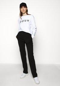 HUGO - Sweatshirt - white - 1