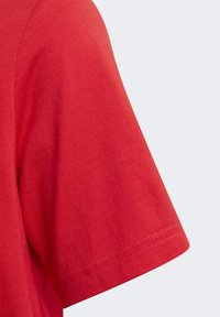 adidas Originals - GRAPHIC LOGO PRINT T-SHIRT - Print T-shirt - red - 3