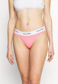Calvin Klein Underwear - MODERN THONG - Stringit - rosey dream - 0