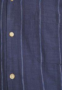 Springfield - CUBAN DOBBY STRIPE - Košile - medium blue - 5