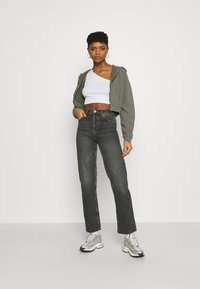 BDG Urban Outfitters - SUPER CROP ZIP HOODIE - Zip-up hoodie - sage - 1